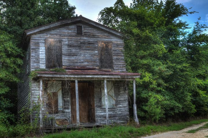 The Forgotten Country Home - Sean Toler Photo
