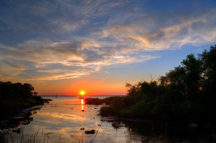 Serene Sunset on the Sound - Sean Toler Photo