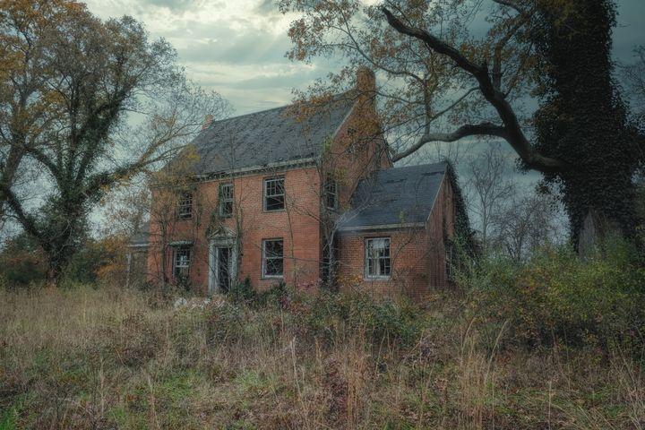 The Farmhouse - Sean Toler Photo
