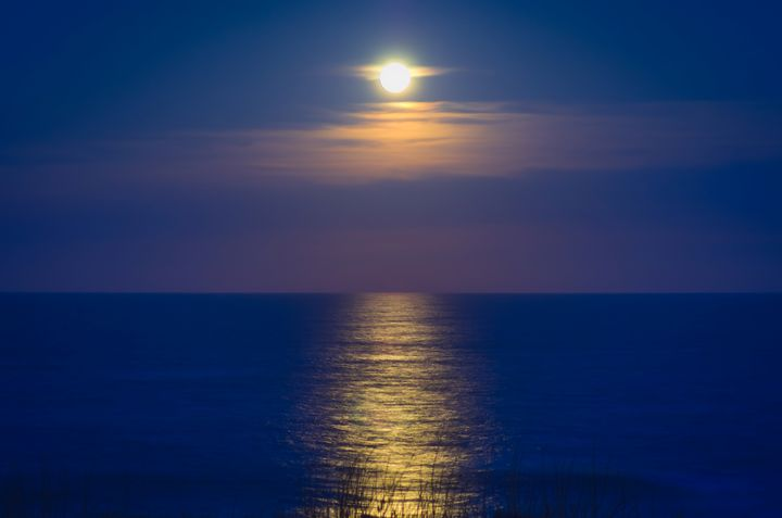 Moonrise in the Outer Banks - Sean Toler Photo