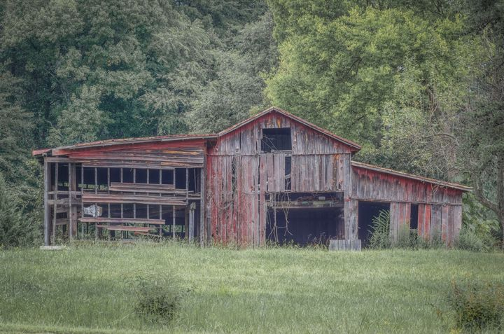The Old Red Barn - Sean Toler Photo