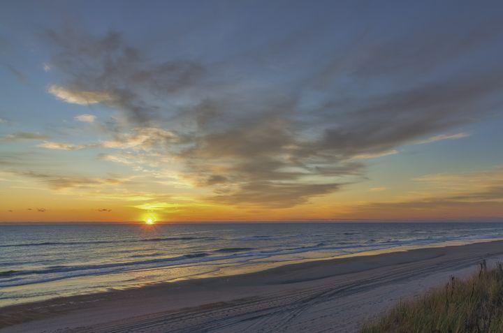 Tomorrow The Sun Will Rise - Sean Toler Photo