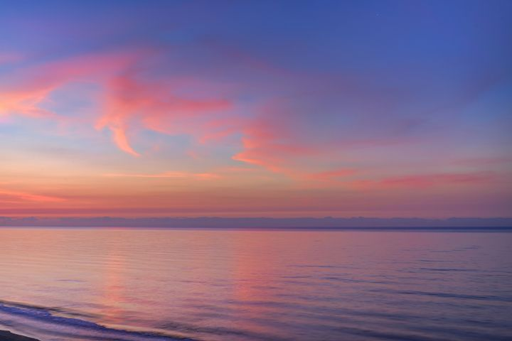 Dawn on the Oceanfront - Sean Toler Photo