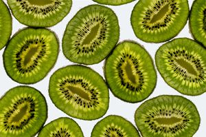 Vibrant slices of kiwi fruit