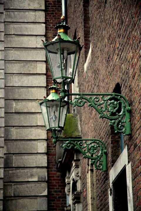 Green lanterns - Adi Starr
