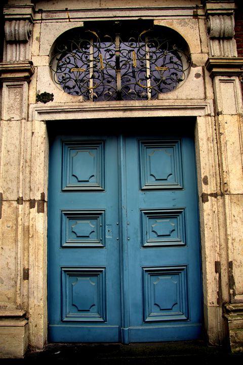 Blue Door - Adi Starr