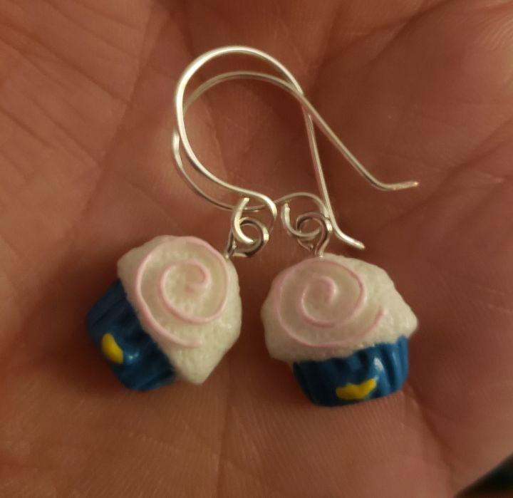 Cupcake earrings - Twisted Little Kara