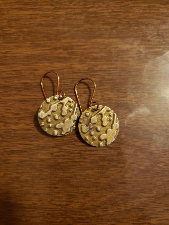 Embossed bronze organic fern earring - Twisted Little Kara