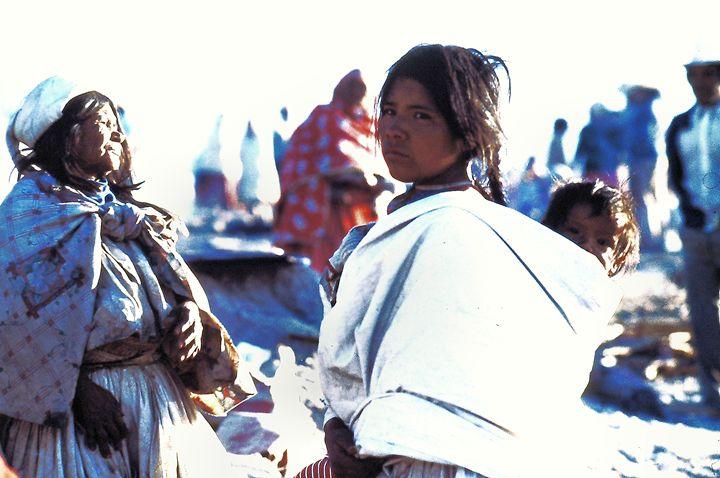 Tarahumara Girl with a Baby - SIERRA TARAHUMARA PICTURES