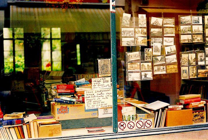Antwerp bookshop - Quentin Haslam