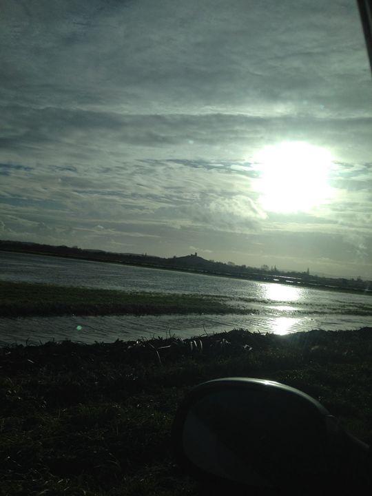 Sunny Somerset Floods - Kallum Beck