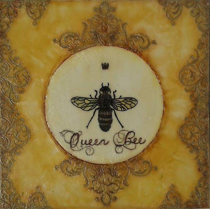 Queen Bee - Falcon Art Studio
