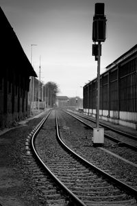 railroadtracks to infinity