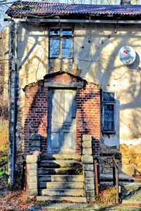 bandoned house
