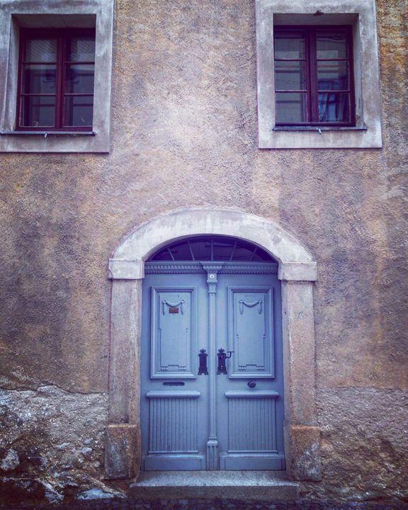 barrock house  facade - EUGENE  JONAI
