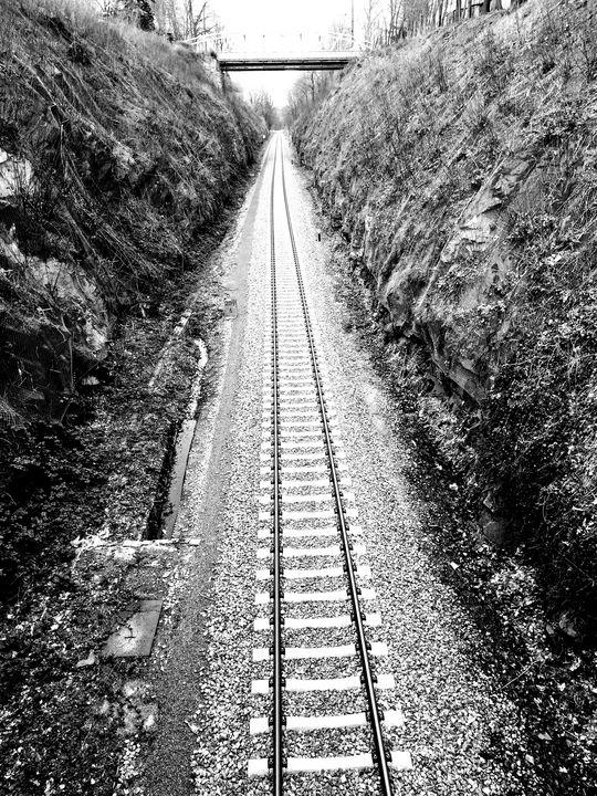 railroad to infinity - EUGENE  JONAI