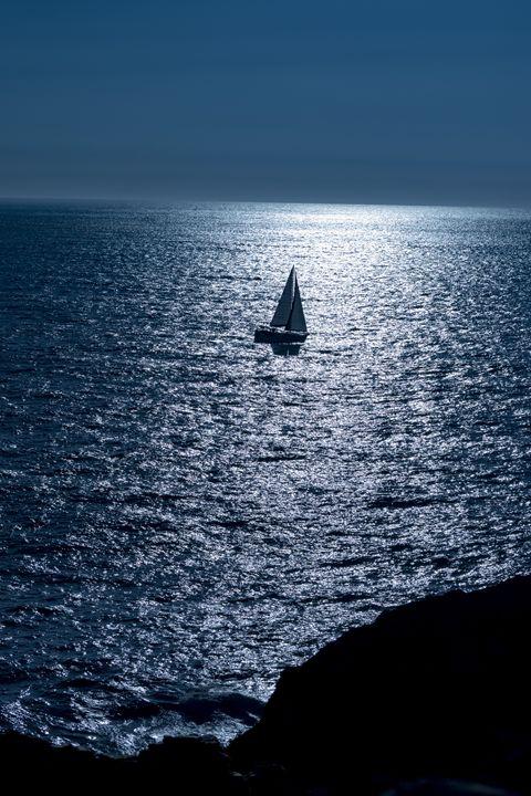 Alone in a big blue world - Alvadela