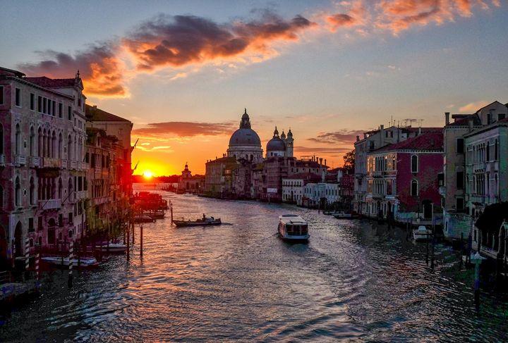 Sunrise in Venice - wonderful_areas
