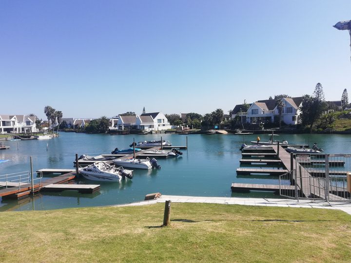 Canal view stay - Pontsho