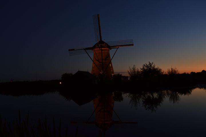 Windmill sunset Kinderdijk - Natarch