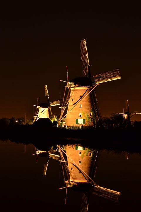 Windmills and water Kinderdijk - Natarch