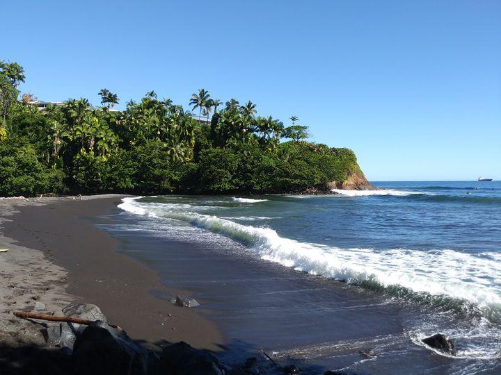 Honoli'i Beach, Hawai'i - SundayDriver