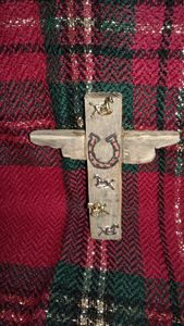 UP CYCLED HAND CRAFTED HORSE CROSS - Islandtreasures247