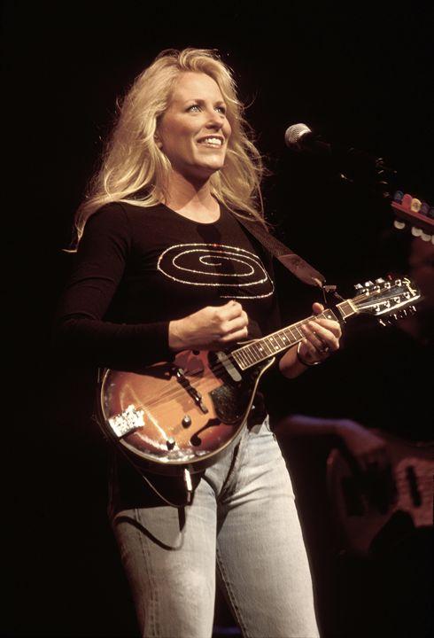 Musician Deana Carter Color Photo - Front Row Photographs