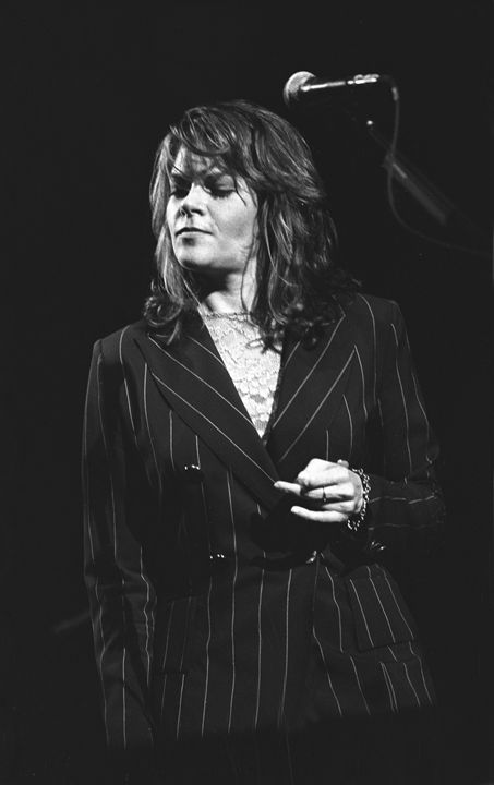 Musician Roseanne Cash BW Photo - Front Row Photographs