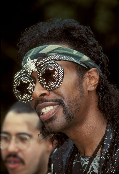 Bassist Bootsy Collins Color Photo - Front Row Photographs