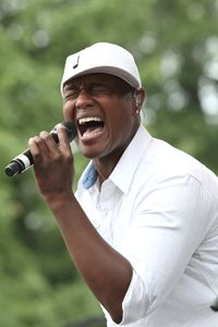 Singer Javier Colon Color Photo - Front Row Photographs
