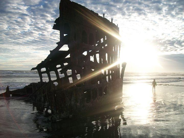 The Shipwreck at Ft. Stevens State - True Elegance Art