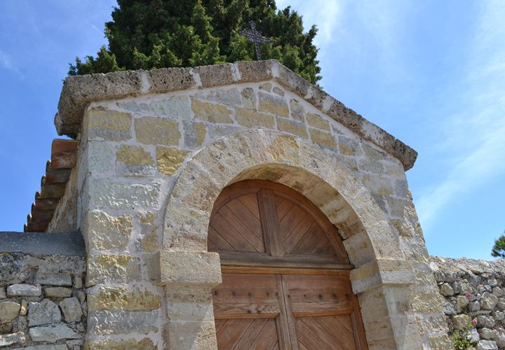 Tuscan archway - R Smith