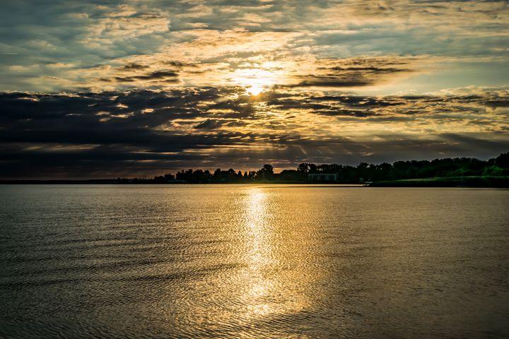 Sunrise over Lake - Anita Vincze