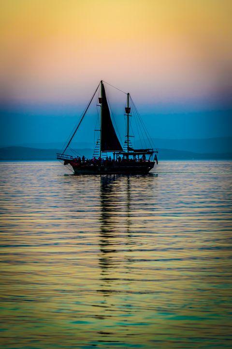 Sailing boat on Lake - Anita Vincze
