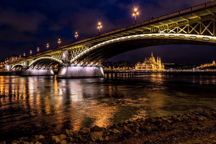 Night Panorama with Parliament - Anita Vincze
