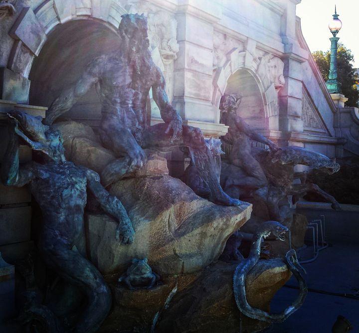 Ocean Statues - Amanda Hovseth