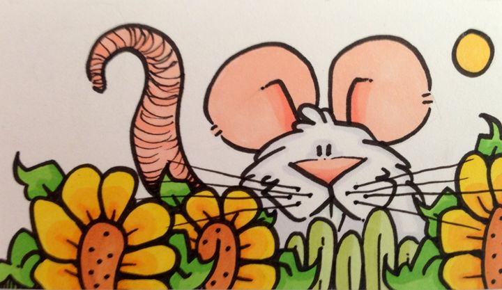 Mouse sitting in sunflowers - ❤️Harper