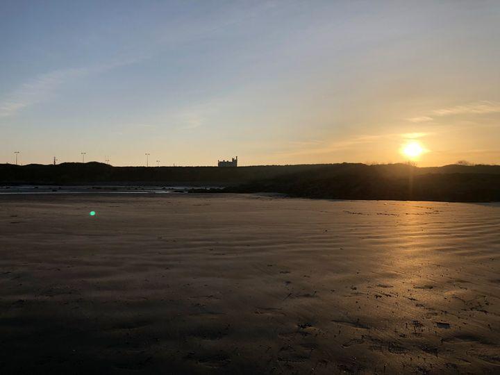 Sunset on the beach - Alma Harrak