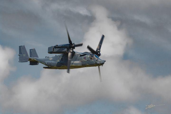 V-22 at Edge of Storm - iignite