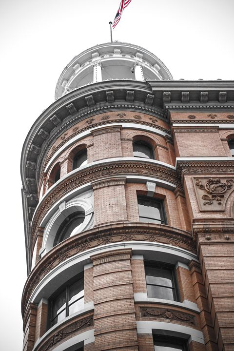 Dome Building - Picnooga