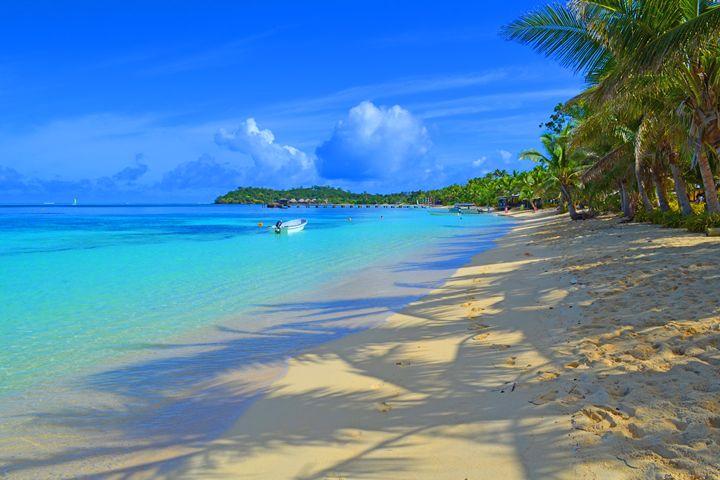Fiji / Mana Island - Shadows - Wanderlust