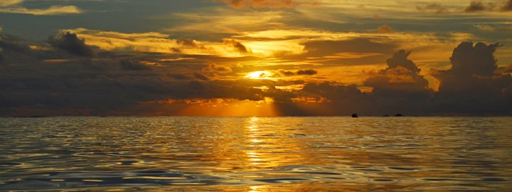 Fiji / Mana Island - Unbroken Sea - Wanderlust