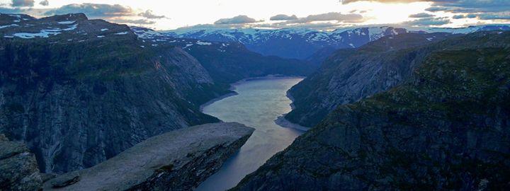 Norway / Odda - The Perfect Seat - Wanderlust