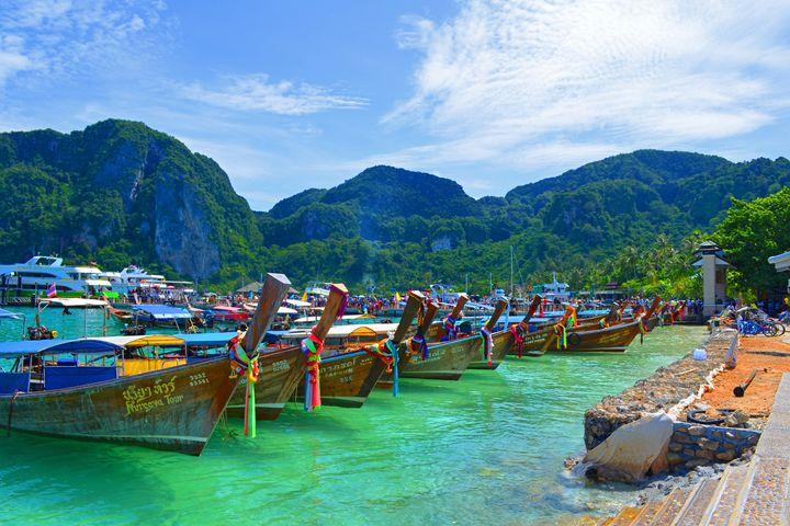 Thailand / Koh Phi Phi - Longtails - Wanderlust