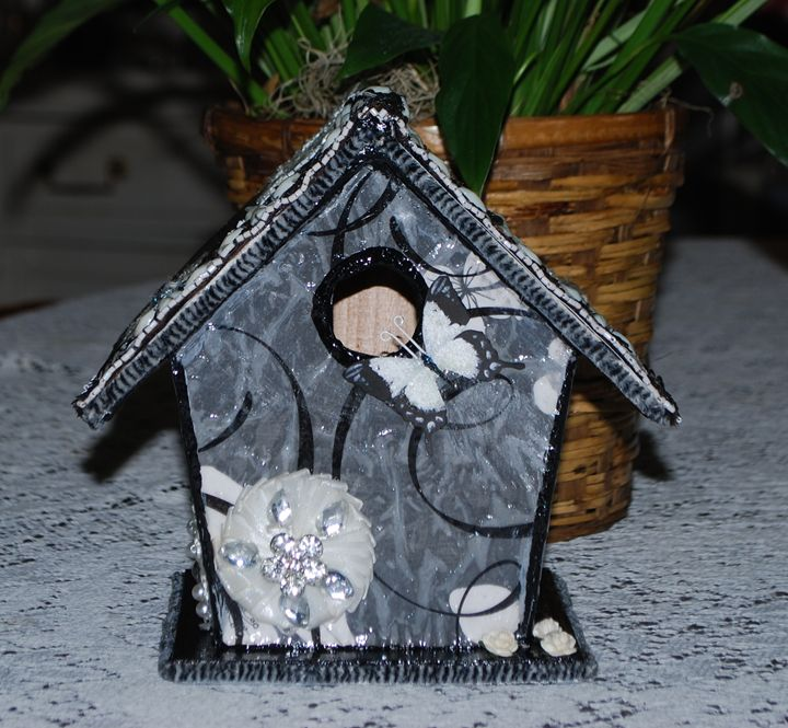 Elegant Black and White Birdhouse - The Creativity Tree