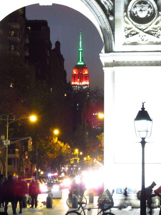 Empire State Through Wash Sq Arch 3 - Ken Lerner Fine Art Photography