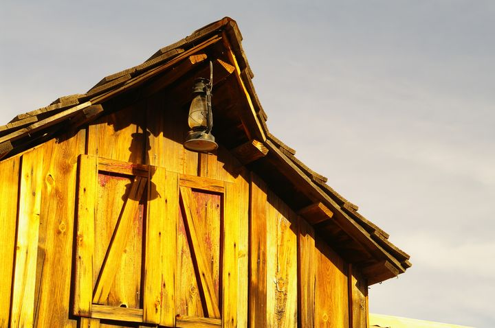 Western Wooden Barn - Photography by Rob