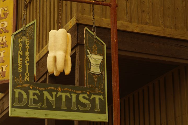 The Dentist's Office Sign - Photography by Rob