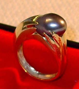 Black Pearl Ring - JBiro